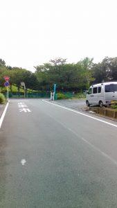 三郷公園バス停付近道路